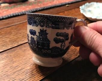 Vintage Blue WIllow China teacup - Japan