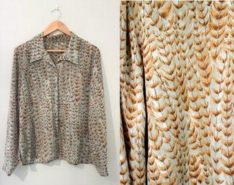 Green flower patterned 70s shirt / polyester blouse