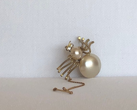Antique  Spider brooch w security chain gold tone