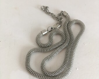 Fantastic 1960's snake mesh silver necklace free shipping