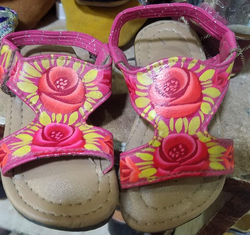 19df9c2d2cfad Kleinkindschuhe   Baby Mädchen   Baby Boy   Unisex collection! Truckart  khussa Schuhe für Kleinkinder. Jutti Schuhe für Babys.   Indische ...