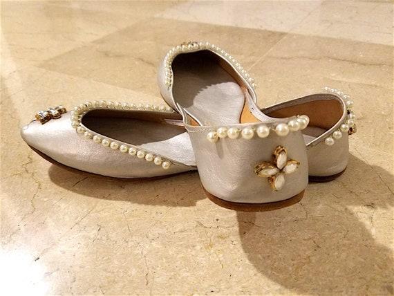 4fcc26d202672 Punjab Jutti US Size 9: Silber Schuhe   Pakistanische Schuhe   Indische  Schuhe   Damen Leder Schuhe   Slip-Ons   Brautschuhe   Khussa Schuhe
