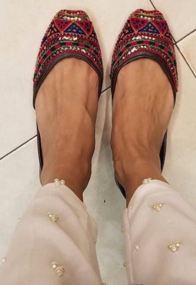 Leather flat shoes for women | punjabi jutti | US size 9 | Khussa shoes | slip ons | ballet flat shoes | Indian shoes | Pakistani shoes