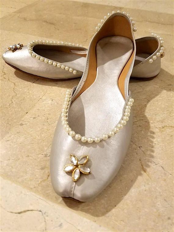 Punjabi jutti US Size 9: Silver Bridal jutti | Pakistani shoes | Indian shoes | Womens leather shoes | Slip On | bridal shoes | khussa mojri