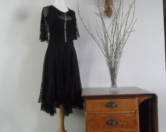 Exquisite 1920s Silk Chiffon Drop Waist Dress |  Pin Tucked Bodice with Original Buttons