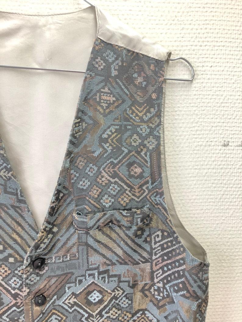 M  Medium Vintage grey gilet with pattern print