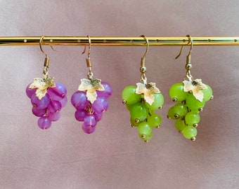 grape earring Vintage Grape Cluster Bead Pierced Earrings wine tour jewelry Dangle beaded earrings Grapes Drop earrings Grape earrings
