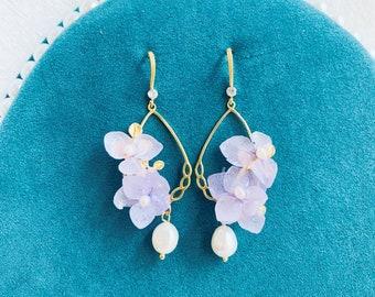 Lilac earrings with hydrangea flowers in epoxy resin handmade Resin flower earring Resin and flower jewelry Purple rhodium earrings