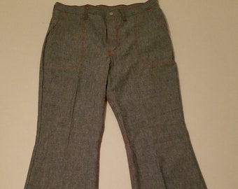 4f9d5444b97d Vintage Never Worn 1970 s Wrangler Women s High Waisted Bell Bottom Jeans