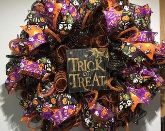 Trick or treat Halloween wreath, Halloween wreath , Front door decor, Seasonal wreath, Holiday wreath