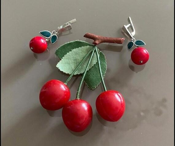 Lovely Vintage Cherry set