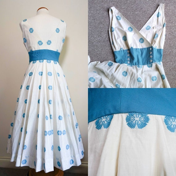 1950s Floral Embroidered Wrap-front Dress - Full C