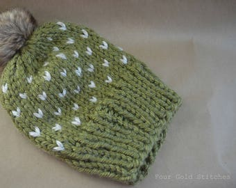 Fair Ilse Chunky Knit Hat in Olive and Oatmeal with Faux Fur Pom
