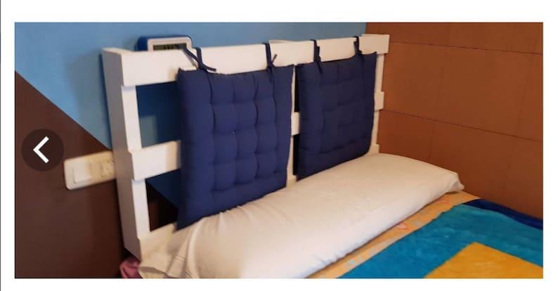 Headboard Bed Palette image 0