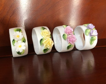 Flower Napkin Rings with Raised Flowers (4 in box)