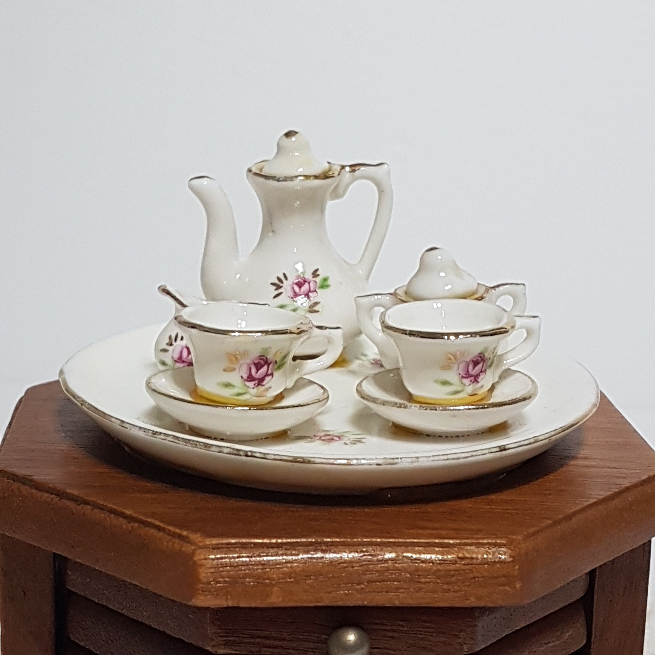 Kitchen Table Home Decoration Accessory Vintage Wood Cork Coaster Set with Miniature Tea Set Top 1970s