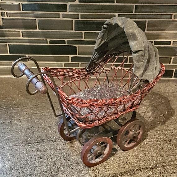 Landau de poupée Vintage petit Jouet bébé Buggy / transport / expédition Vintage Decor - gratuit