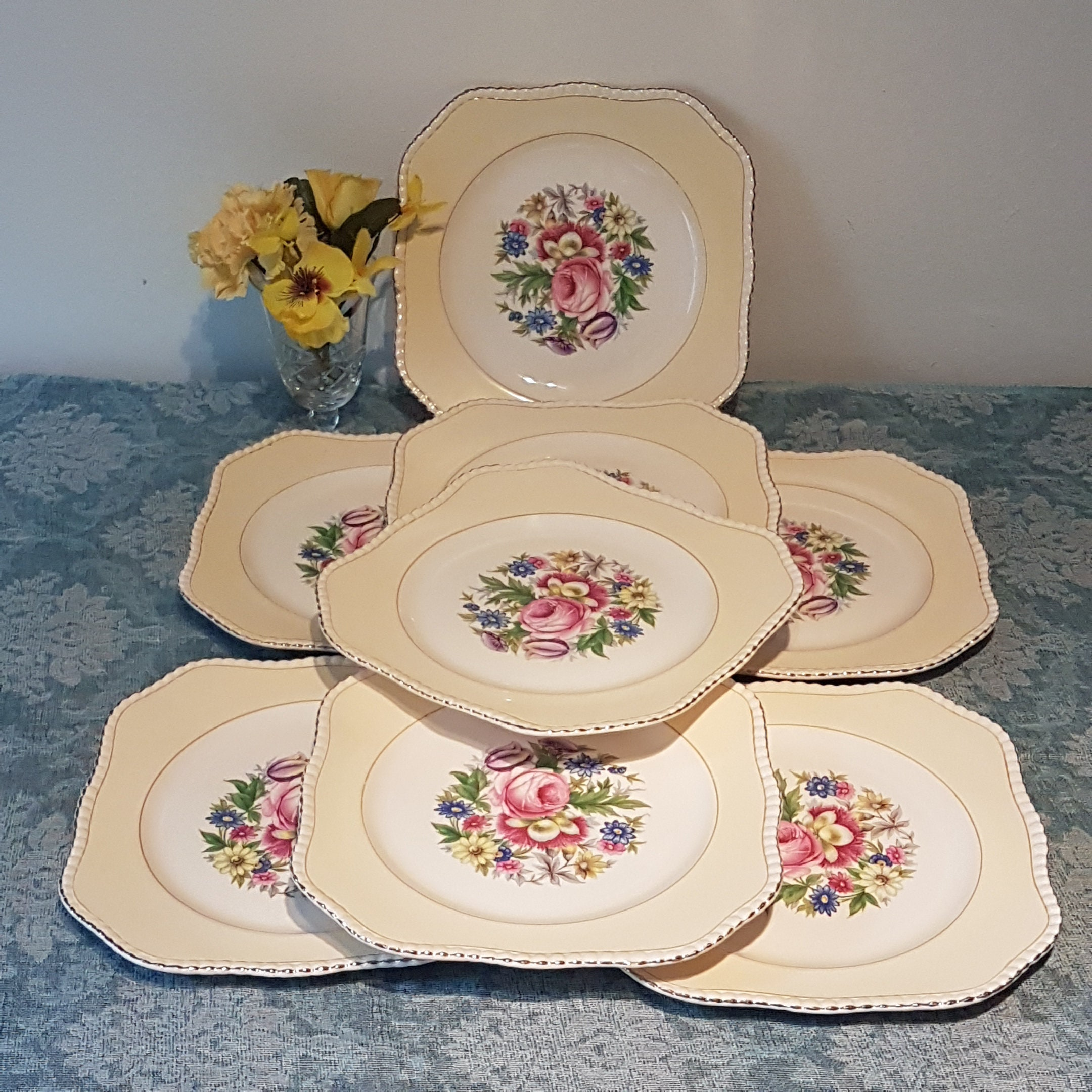 Soho Pottery Square Yellow Plate Set of 8 Floral Lunch Plates Country Chic 1930/'s Farmhouse Kitchen
