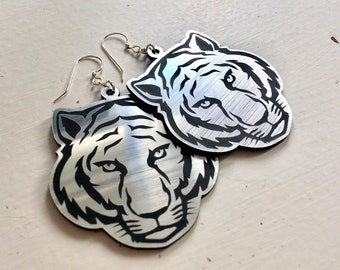 Acrylique Laser Cut tigre boucles d'oreilles (crochets plaqués argent - garanti sans nickel)
