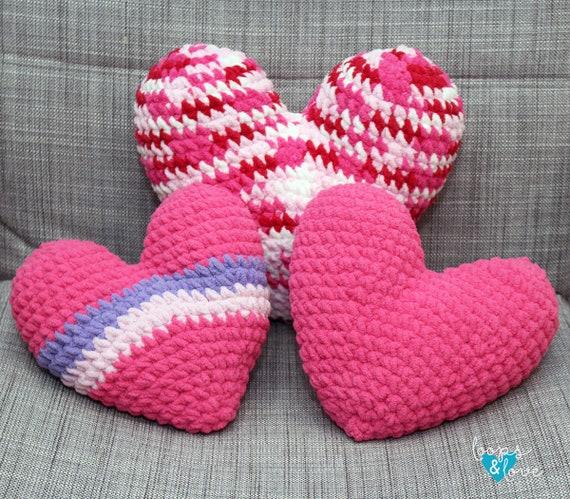 Amigurumi heart pattern | DIY Valentine`s gift idea | lilleliis | 499x570