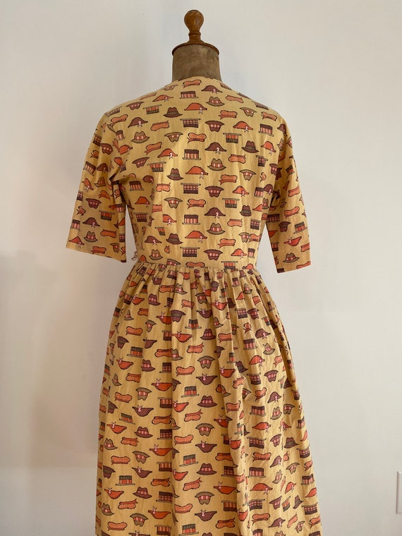 1940s/50s Handmade WWII Homefront Novelty Print D… - image 5