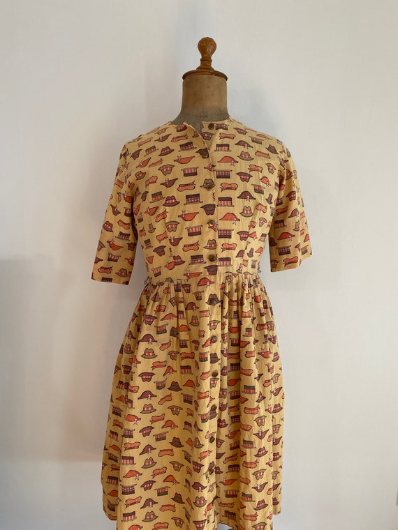 1940s/50s Handmade WWII Homefront Novelty Print D… - image 1