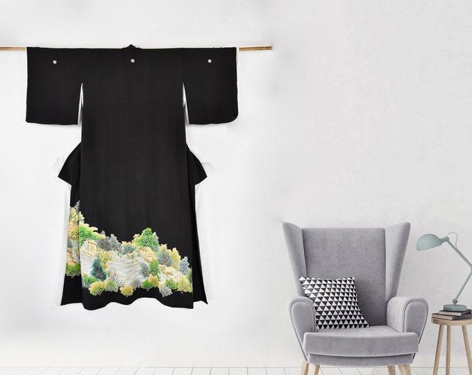 Japanese Vintage Kimono in Black / Wall Decoration / Kuro Tomesode / Kimono Robe / Damen Kimono / Dressing Gown