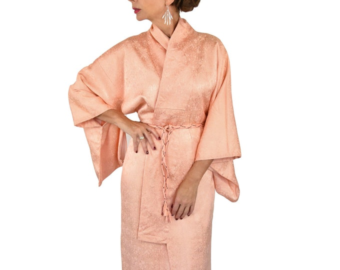 Japanese Kimono Robe in salmon pink with belt / Vintage cleaned and ready to wear / elegant dressing gown / Lounge Wear