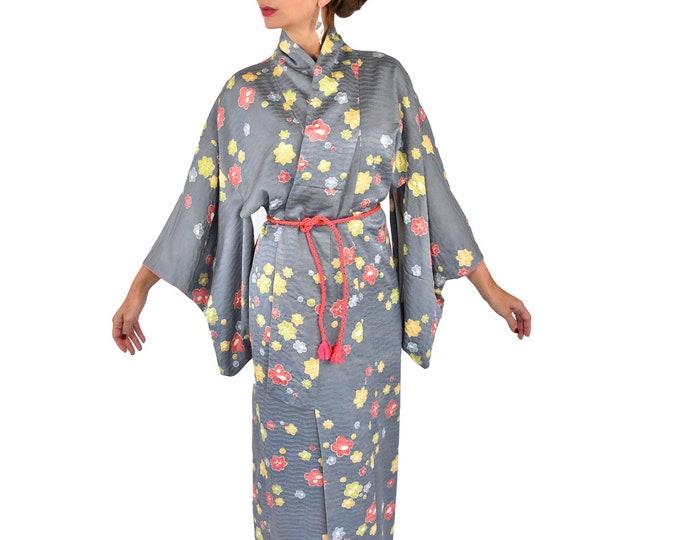 Cleaned Japanese Vintage Kimono Robe grey with Shibori Batik flowers  and silk Obijime belt / High quality dressing gown / Lounge Wear /