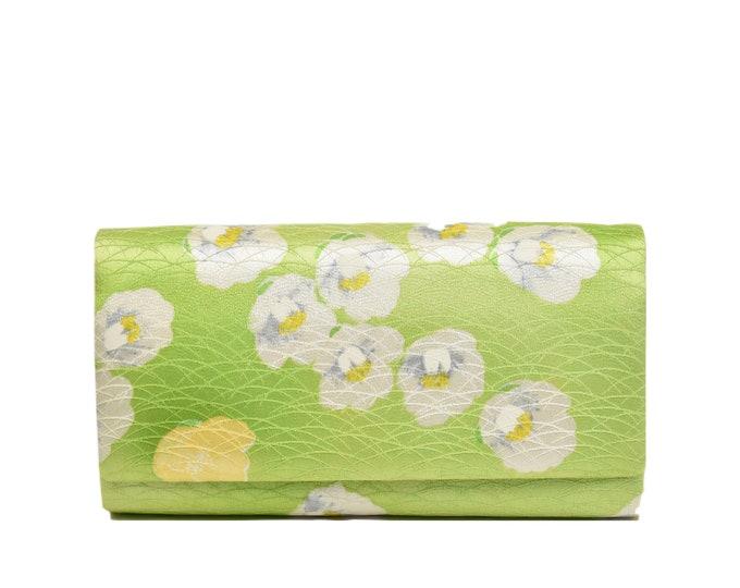 Kimono Clutch / Elegant Evening bag silk / Japanese Vintage / green / sustainable fashion  /Etui / Japanese fabric / One of a kind