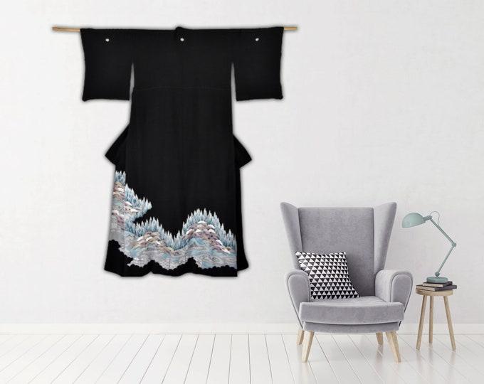 Japanese Vintage Kimono in Black / Wall Decoration / Kuro Tomesode / Kimono Robe / Kimono with Zen Garden / Interior design / Wall Display