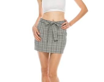 Fashion plaid skirt tie on waist band