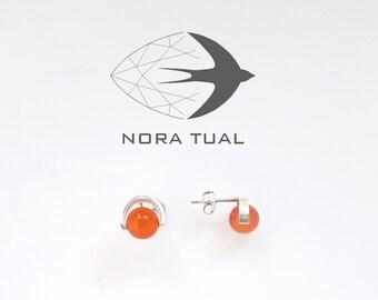 Earrings in silver and carnelian bead