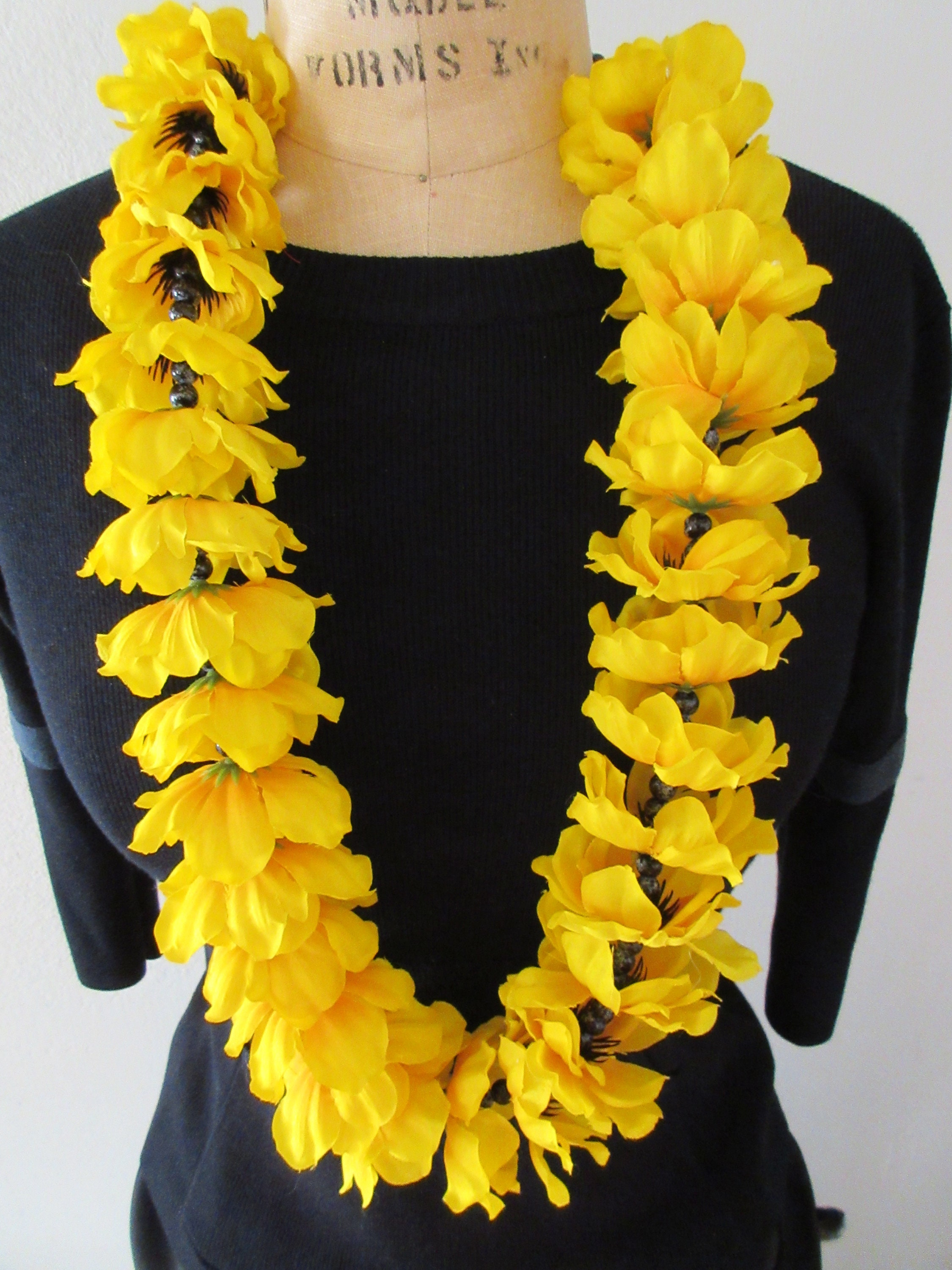 Yellow Anemone Flower Lei Etsy