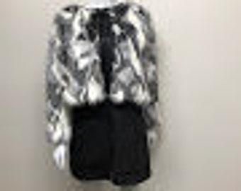 Faux fur cropped jacket.
