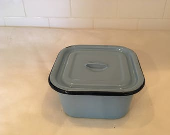 Blue Vintage Enamelware, Enamelware Container with Lid, Blue Enamelware, Enamelware