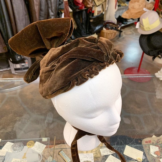 Antique Victorian era 1900s RARE velvet bonnet hat - image 6