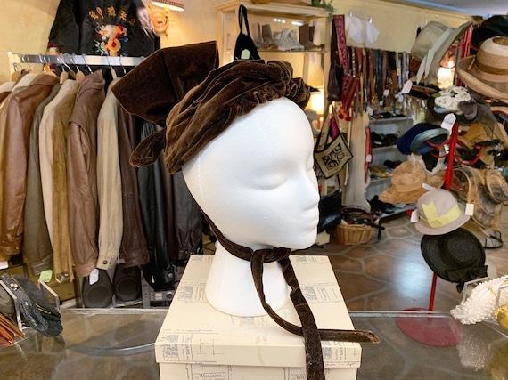 Antique Victorian era 1900s RARE velvet bonnet hat - image 3