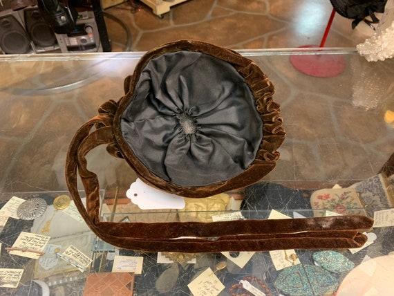Antique Victorian era 1900s RARE velvet bonnet hat - image 10