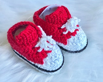 e2843eba0a2a37 Red crochet baby shoes   Red baby shoes crochet  Red lowtop crochet  converse baby shoes   baby handmade shoes  red neutral gender