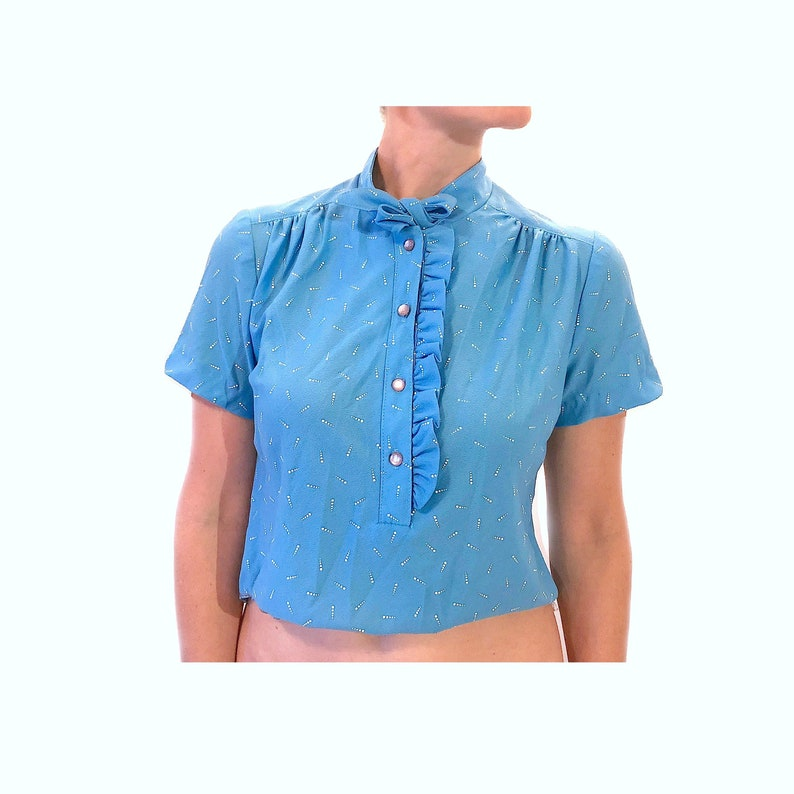 Electric Blue White-Flecked Tuck-In Cropped Tie Collar Ruffle-Trim Henley Button Up Vintage Blouse 1950s