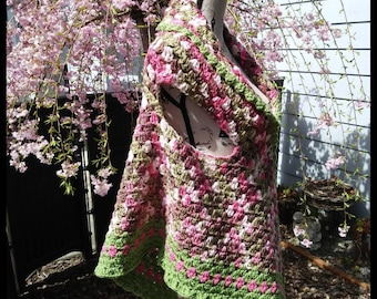Ladies triangular shawl