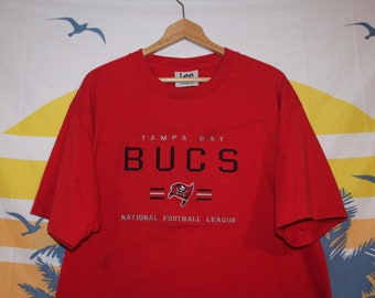 Embroidered NFL Tampa Bay Buccaneers Lee Sport T-Shirtr 89eb08218