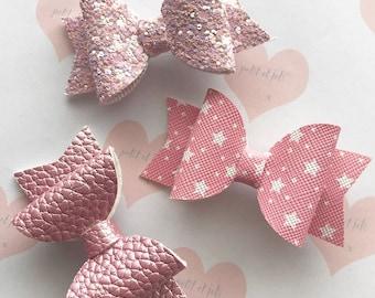 Handmade// Set of three cute pink bows