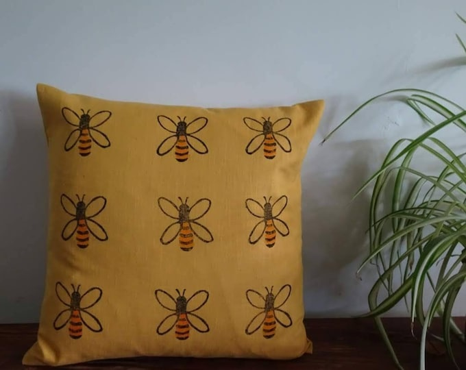 honey bee cushion