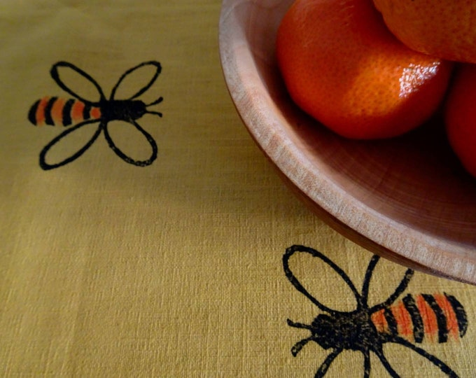 tablerunner honey bees mustard