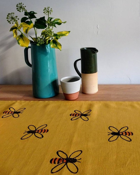 tablerunner honey bees mustard