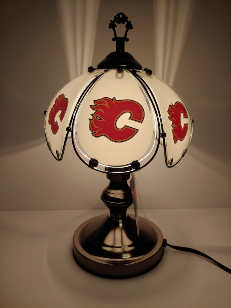 Man/'s desk accent sports lamp Calgary Flames 3 way lamp Hockey lamp Flames tabledesk lamp FLAMES light