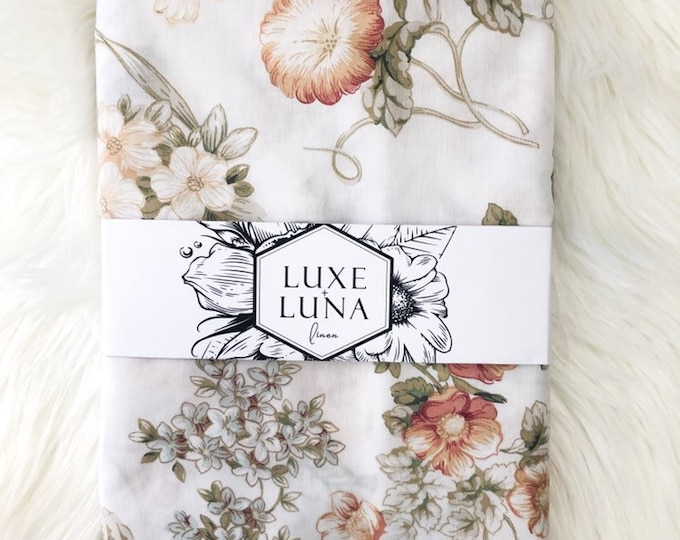 Fitted Cot / Crib Sheet - Vintage floral print