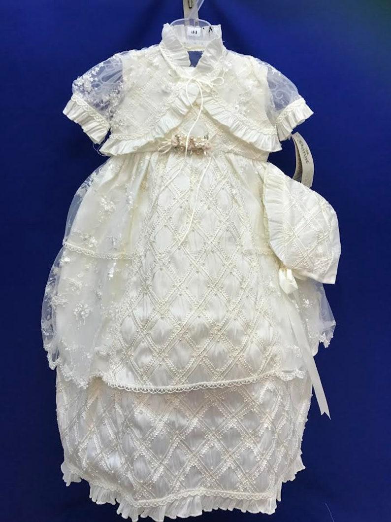 f4819f3715237 Doublure de dentelle Vintage robes de baptême pour bébé fille